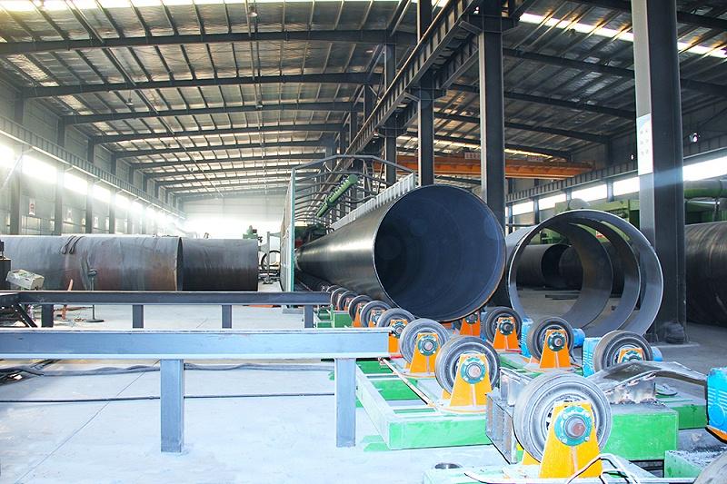 3PE防腐钢管生产设备2