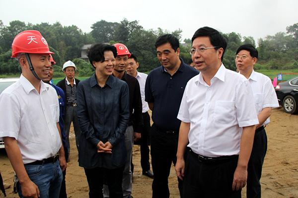 2017年9月5日 湖南省委常委、长沙市委书记胡衡华深入施工现场考察指导