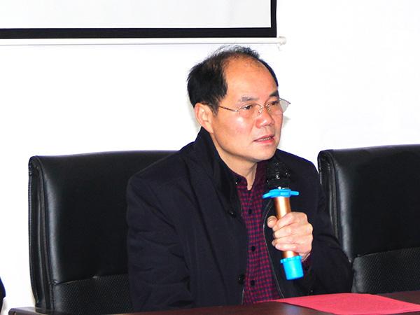 董事魏金刚先生致词