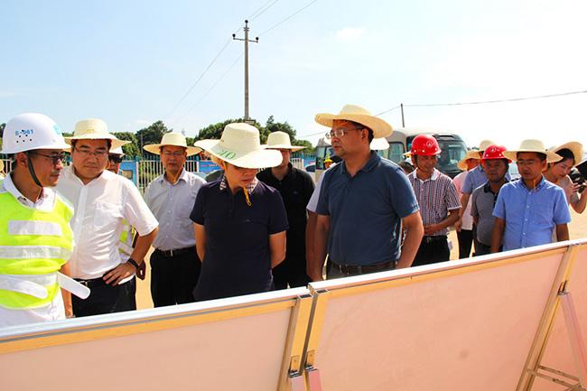 长沙市副市长廖建华调研我公司供管的岳麓污水处理厂尾水排放项目
